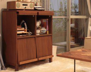 ドラマ『ウチの夫は仕事ができない』に高野木工の家具が登場しています