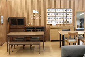家具のオツタカに高野木工パートナーショップを常設