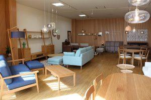 家具プラザコシイシに高野木工パートナーショップを常設